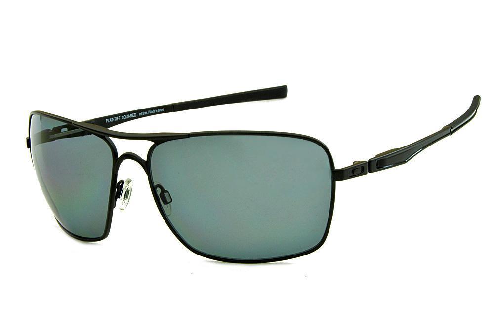 bfa3836675676 Óculos de sol Oakley OO4063 PLAINTIFF SQUARED metal preto com lentes  polarizadas