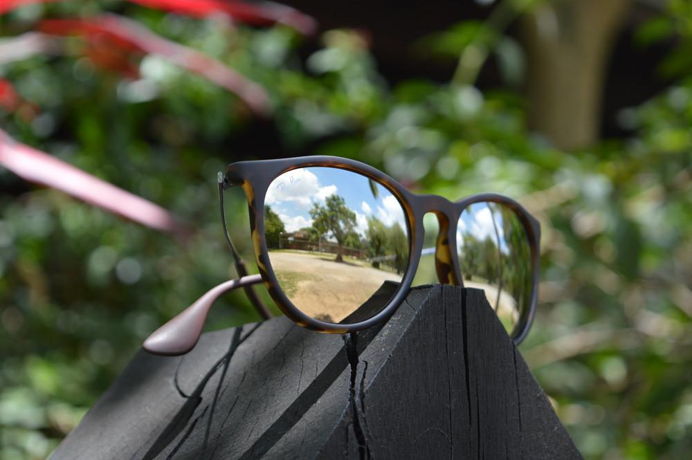 Óculos Ray-Ban Erika RB4171 efeito onça lente espelhada dourada bd3e0a5c87