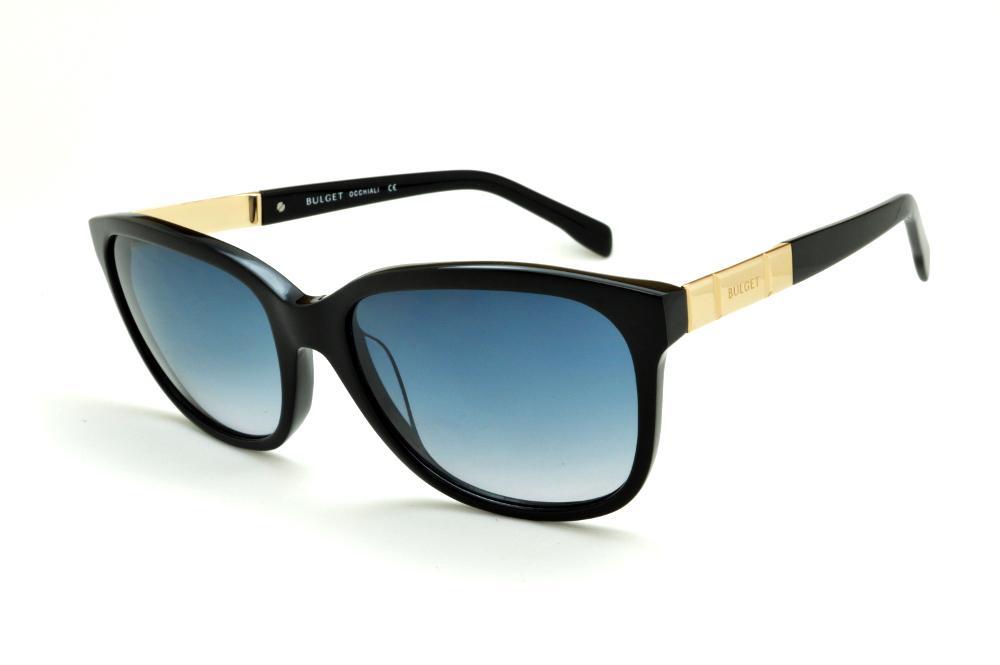 825d34fb2fb76 Óculos de Sol Bulget cor preto e detalhe dourado