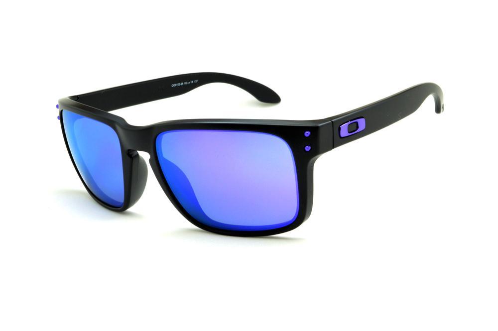 ead3ebe7c4 Óculos Oakley OO9102 Holbrook Julian Wilson preto e lente roxa