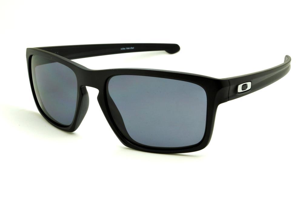 78a4f9f0c Óculos Oakley OO9262L Sliver preto e lente cinza e detalhe metal